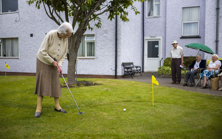 golf in the garden